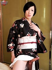 Renka returns today in tradional Japanese attire. This horny newhalf can't wait to lift up her kimono and give her fans an eye-popping view of th